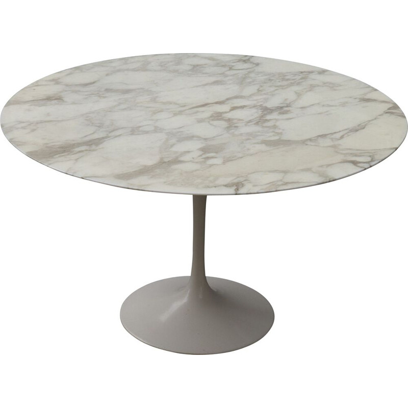 Vintage Tulip round table in marble 1970s