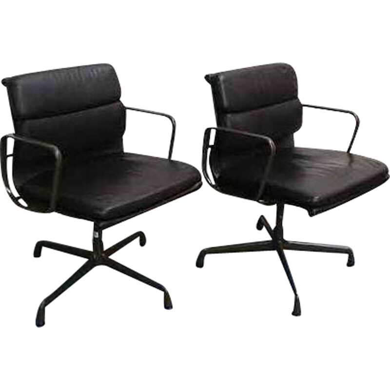 Pair of vintage Soft Pad Chairs EA 208 for Vitra
