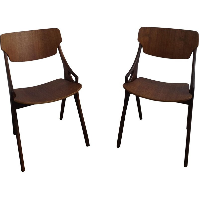 Pair of vintage chairs by Mogens Kold