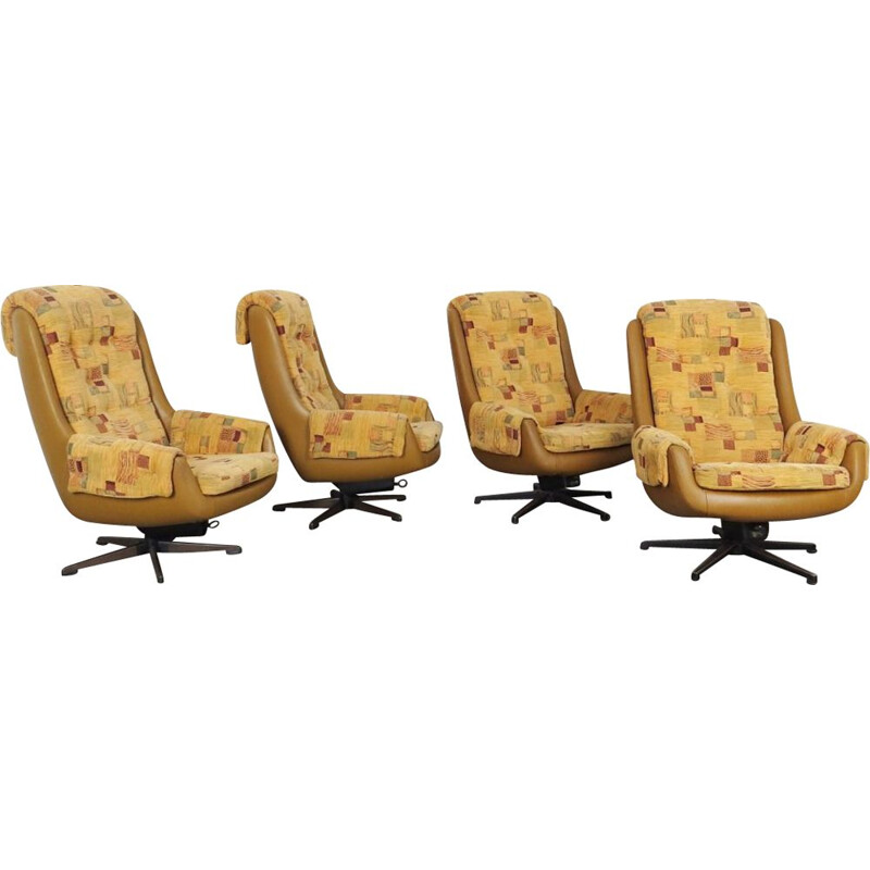 Set of 4 vintage swivel chairs by Peem