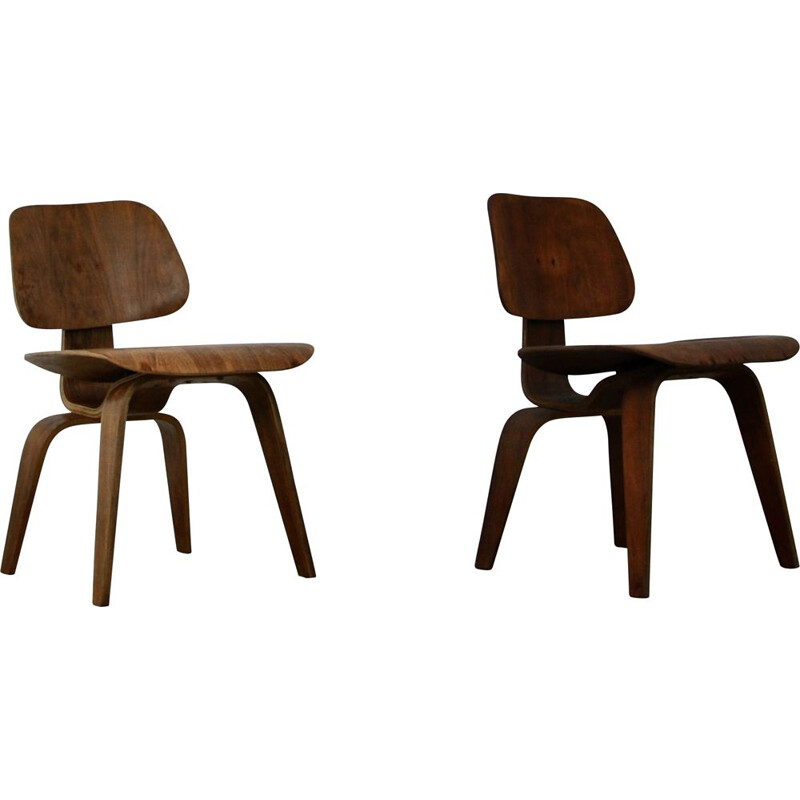 Pair of vintage DCW plywood chair by Charles and Ray Eames for Evans 1950s