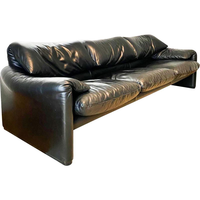 Vintage sofa Maralunga 3 seater  in black leather by Vico Magistretti for Cassina 1973s
