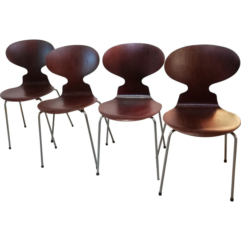 Set Of 4 vintage ant dining chairs By Arne Jacobsen For Fritz Hansen, 1950s