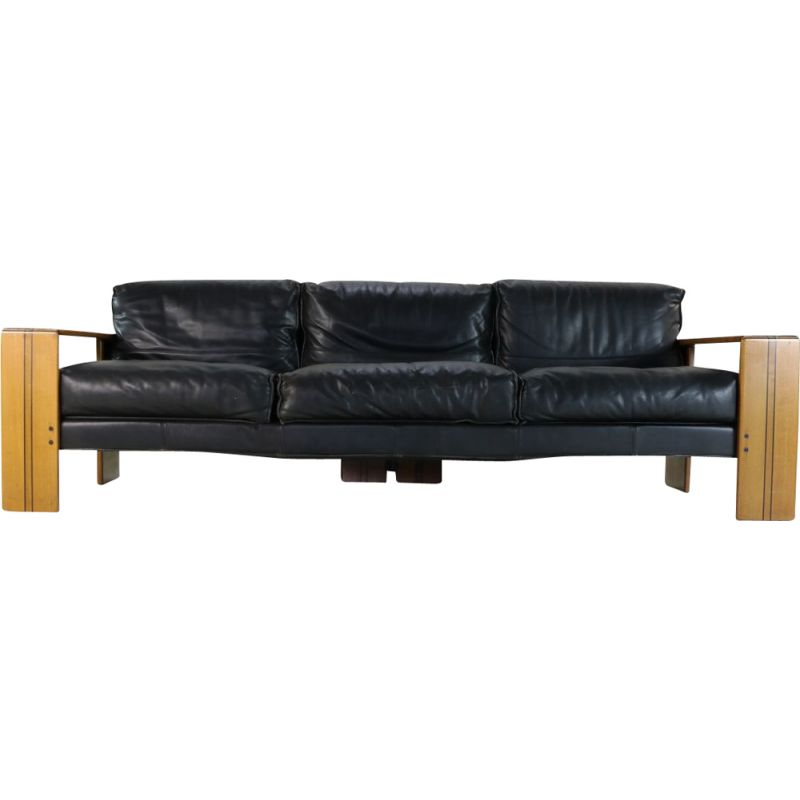 Vintage wooden inlayed and grained sofa Superb design by Afra and Tobia Scarpa for Maxalto, 1975s