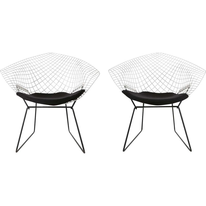 Vintage set of 2 diamond chairs by Harry Bertoia for Knoll International