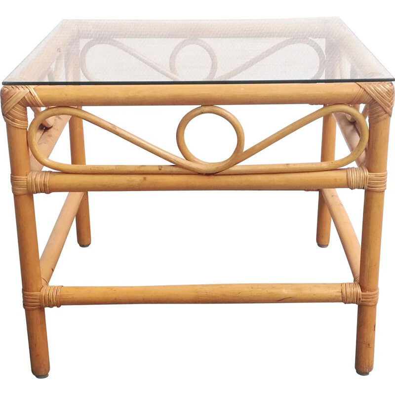 Vintage coffee table in rattan and glass top