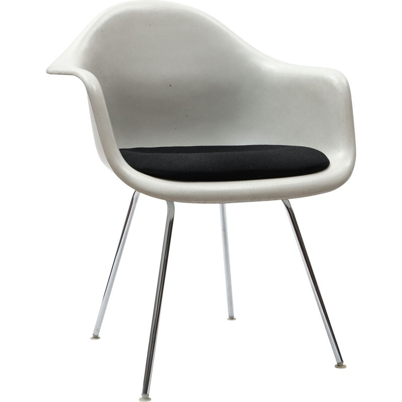 Vintage chair by Charles & Ray Eames for Herman Miller, 1950s