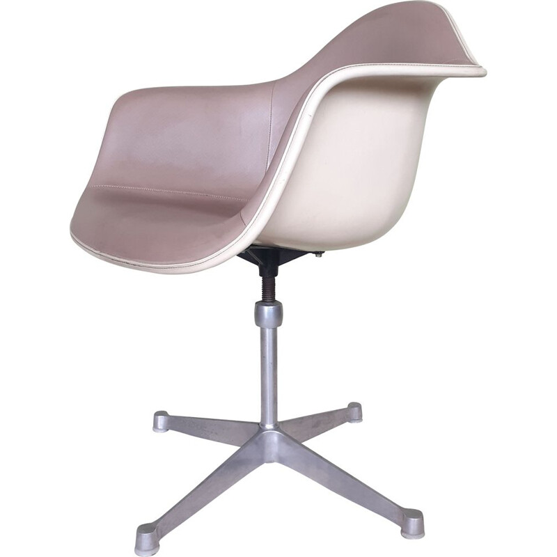 Vintage swivel chair by Charles and Ray Eames for Herman Miller, 1960s