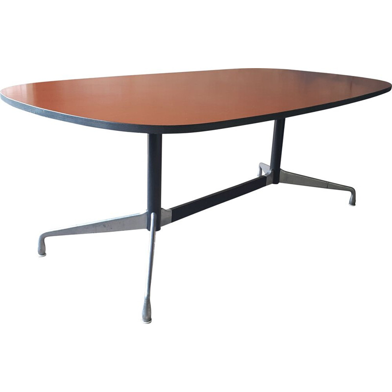 Mid-century oval segmented table by Charles and Ray Eames