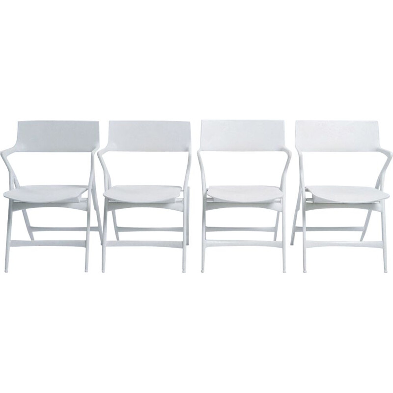 Set of 4 vintage folding chairs by Kartell