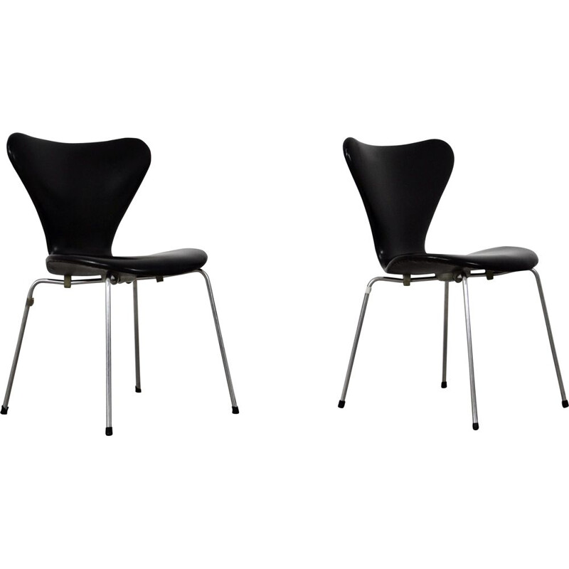 Pair of vintage 3107 leather chairs by Arne Jacobsen for Fritz Hansen, 1960s