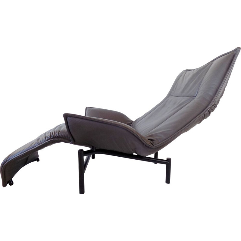 Vintage leather lounge chair by Vico Magistretti for Cassina, 1980