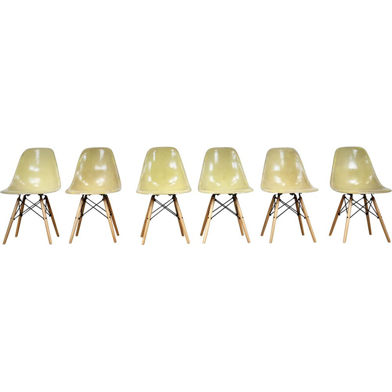 Set of 6 vintage DSW chairs by Charles & Ray Eames for Herman Miller, 1970s