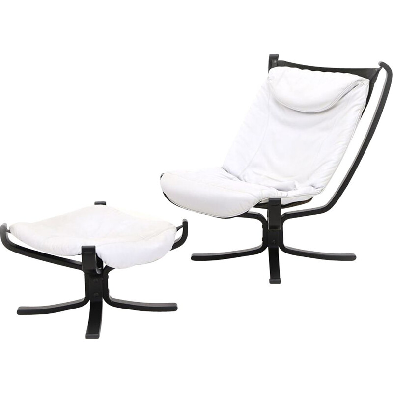 """Vintage """"Falcon"""" lounge chair with ottoman by Sigurd Resell for Poltrona Frau, 1970"""