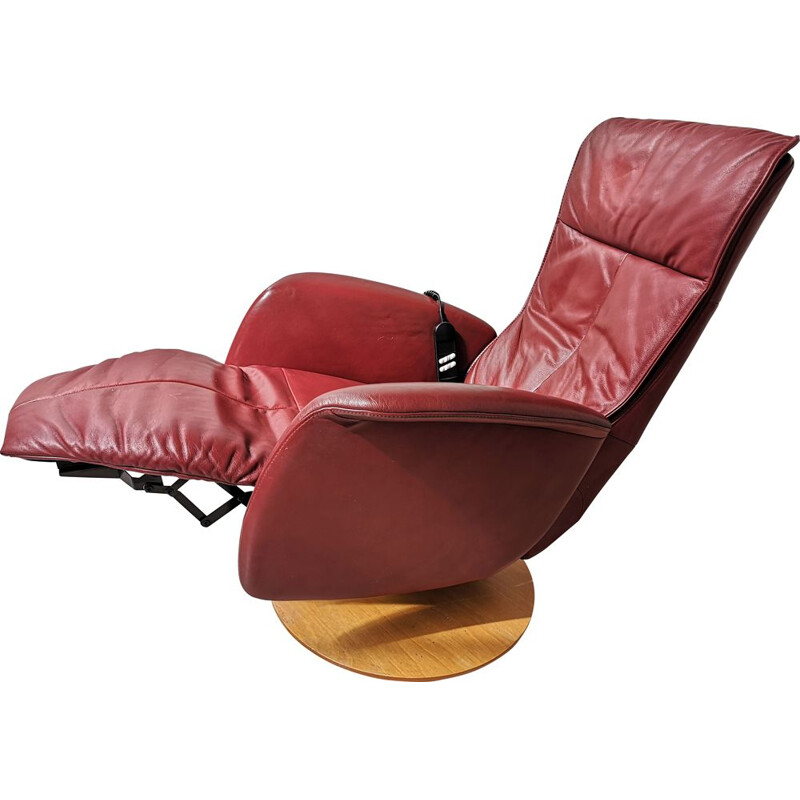 Vintage deep red leather lounge chair