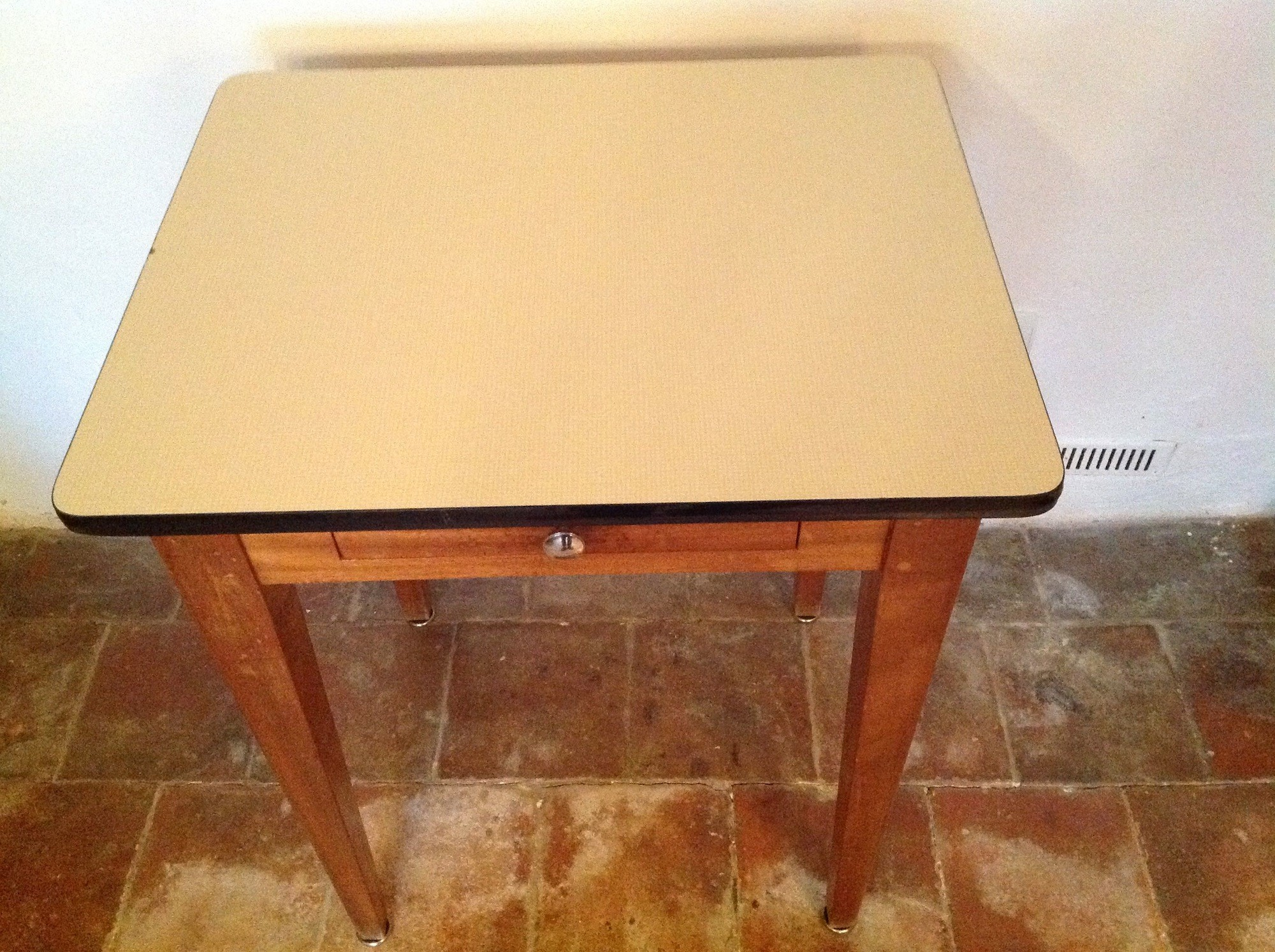 Side table in oakwood and formica 1950s design market