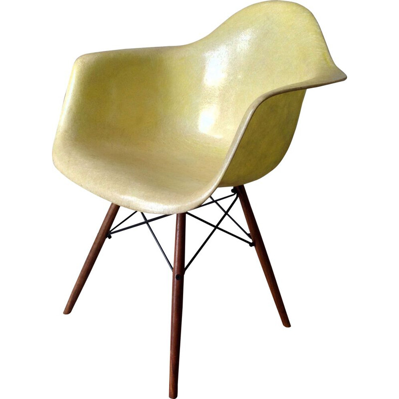 Mid century armchair by Charles Eames for Herman Miller