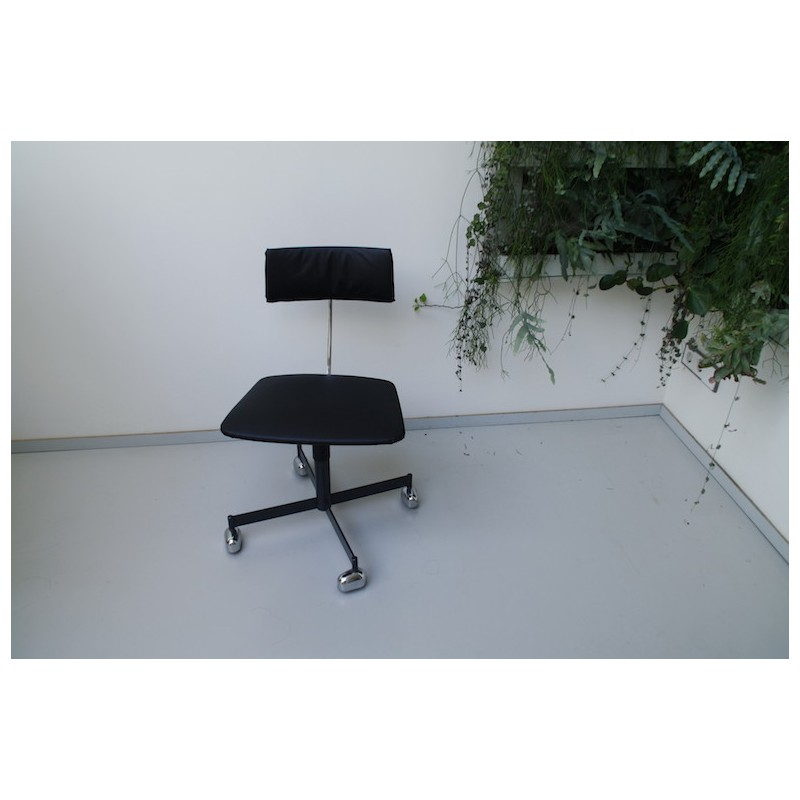danish kevi desk chair in black leather ib jørgen rasmussen