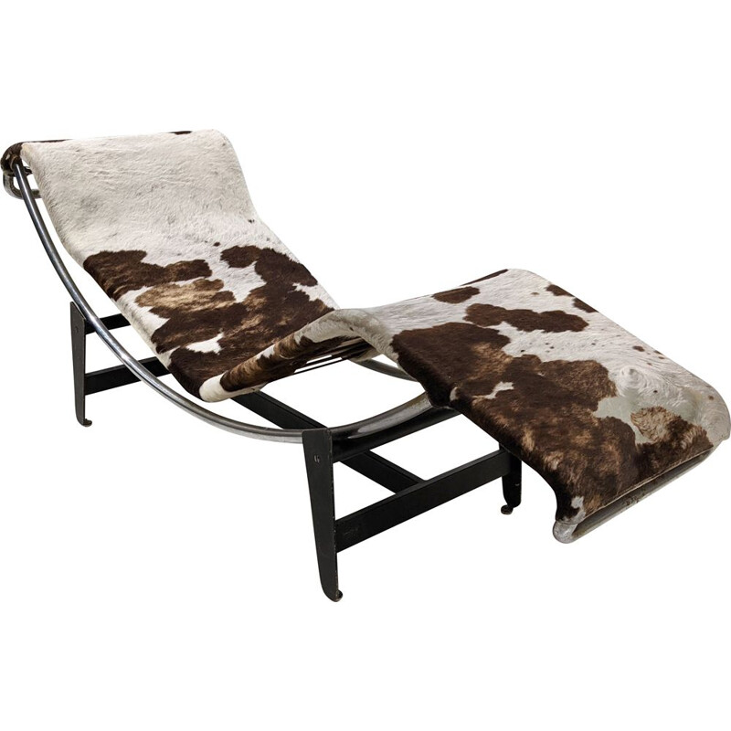 LC4 vintage lounge chair in animal skin by Le Corbusier and Charlotte Perriand for Whonbedarf