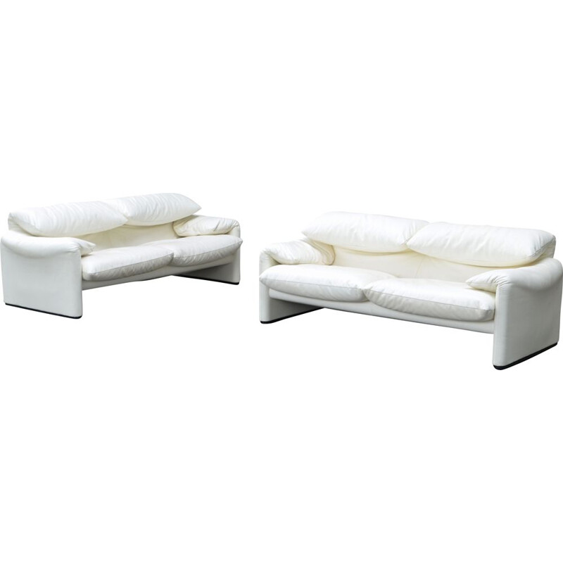 """Pair of vintage """"Maralunga"""" sofas in leather by Vico Magistretti for CASSINA"""