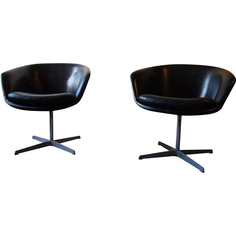 Pair of vintage leather armchairs by Pierre Paulin for Artifort, 1960s