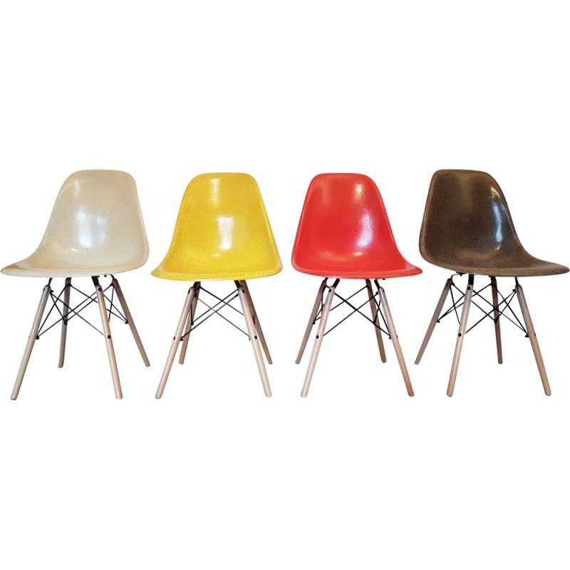 Set of 4 vintage DSW chairs by Charles and Ray Eames for Herman Miller