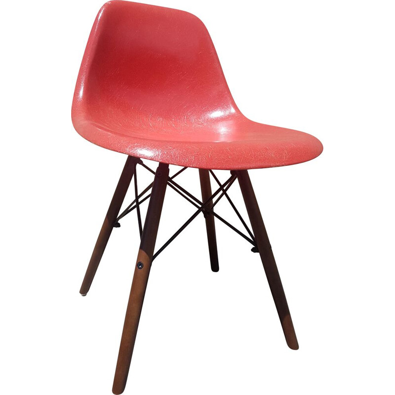 DSW chair by Charles and Ray Eames for Herman Miller, 1960