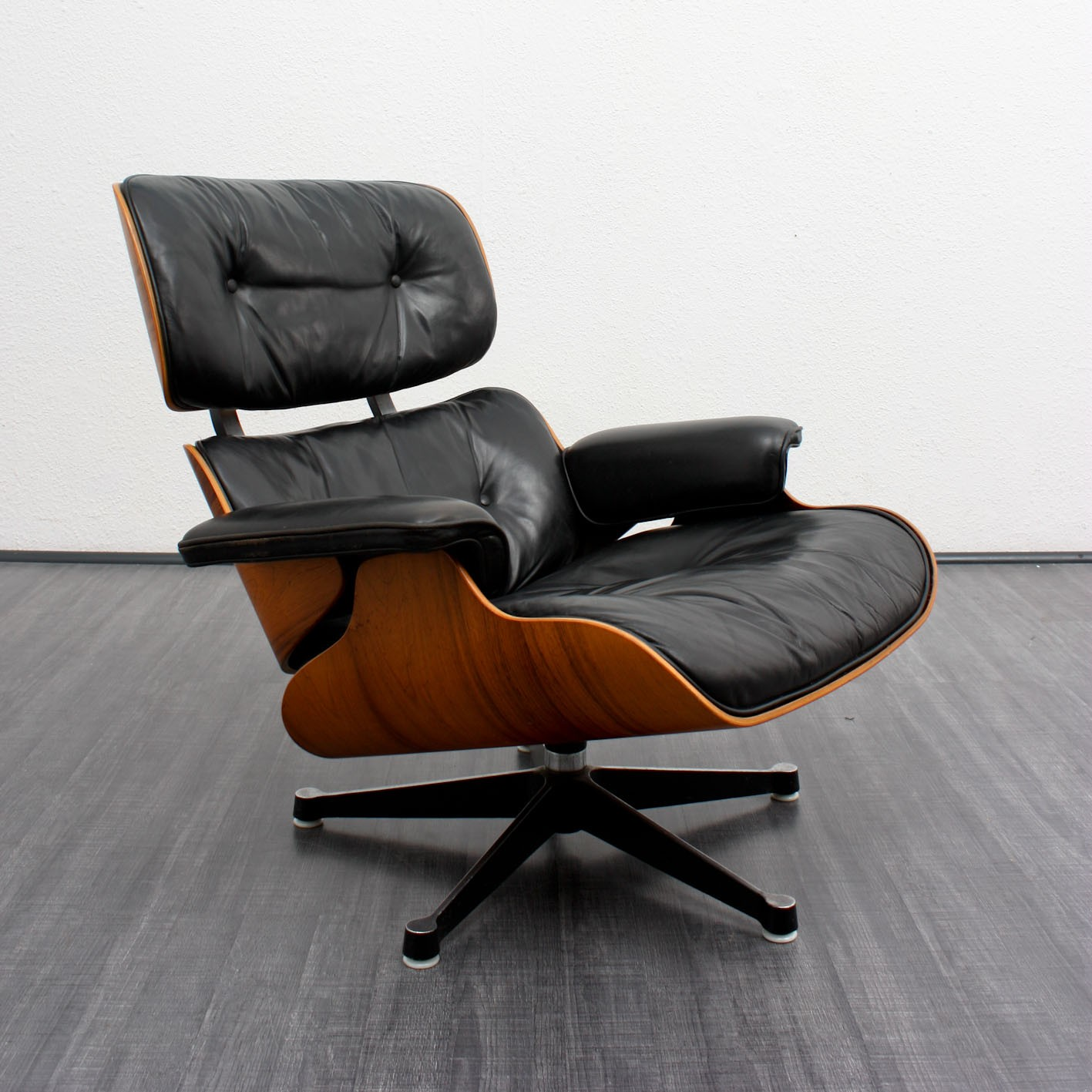 Herman Miller Lounge Chair And Footrest Charles Amp Ray