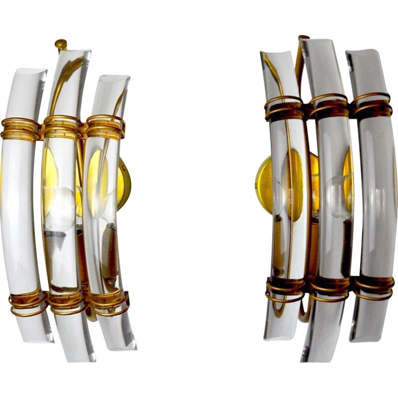 Pair of vintage Venini wall lamps in cut glass and gilded metal structure, Italy 1970