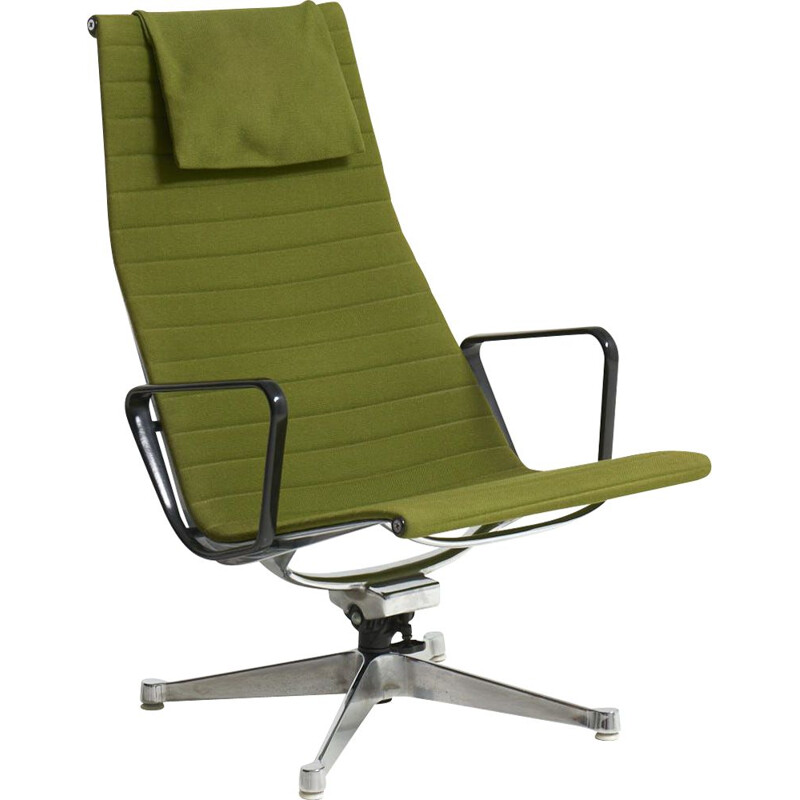"""Vintage swivel lounge chair """"EA124"""" by Charles and Ray Emes for Herman Miller, USA 1950s"""