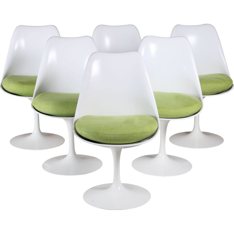 Set of 6 vintage white and green tulip chairs by Eero Saarinen for Knoll International