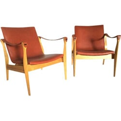 Pair of Fritz Hansen easy chairs in beech and leather, Karen & Ebbe CLEMMENSEN - 1950s