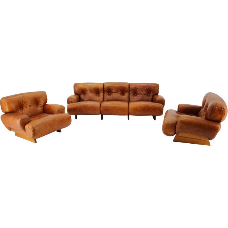 Italian vintage living room set in wood and cognac leather, 1970s