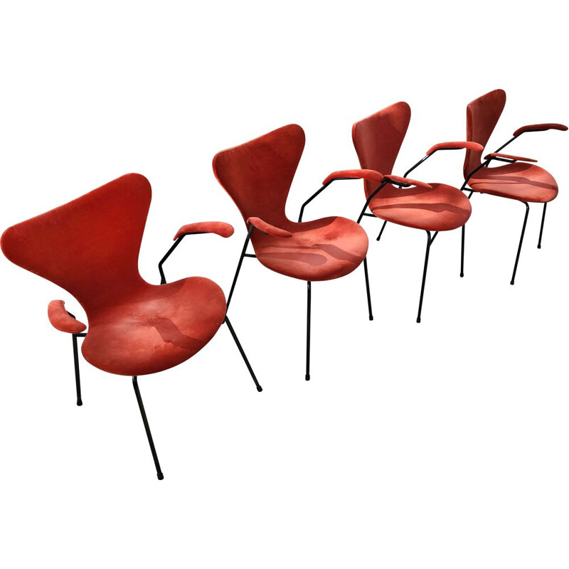 Set of 4 vintage Butterfly chairs model 3207 in velvet with armrests by Jacobsen