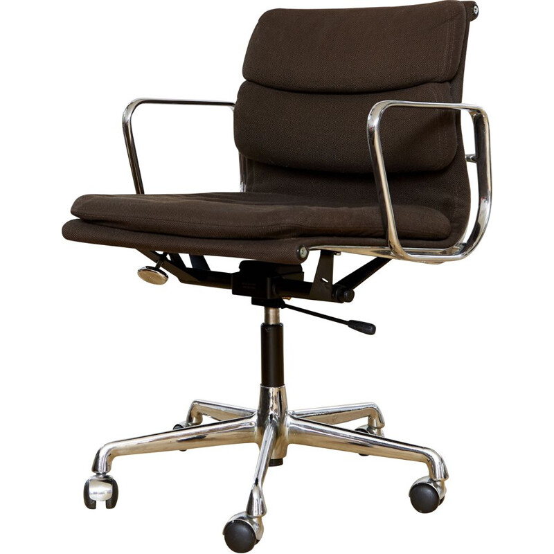 Vintage Ea217 office chair by Charles & Ray Eames for Herman MillerVitra