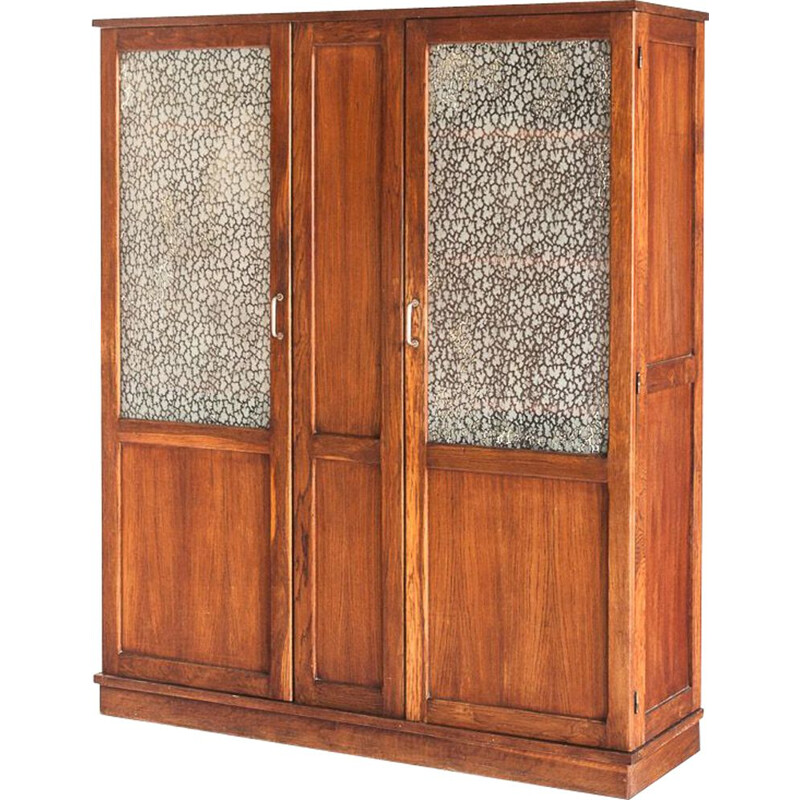 Vintage oakwood cabinet with two doors and four adjustable shelves, France 1940
