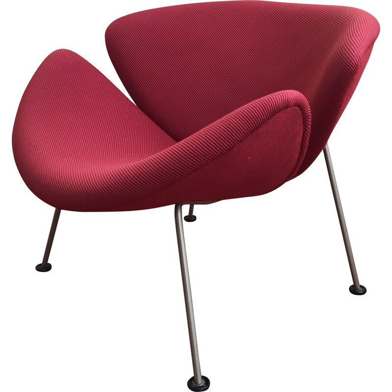"""Artifort """"Slice Chair"""" easy chair in cherry red fabric and steel, Pierre PAULIN - 1960s"""