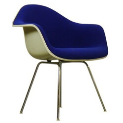 Blue Herman Miller armchair in fiberglass and chromed metal, Charles & Ray EAMES - 1960s