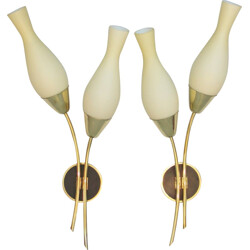 Pair of Italian Stilnovo wall lamps in brass and opaline glass - 1950s
