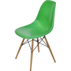 "Green Herman Miller ""DAW"" chair in fiberglass and maple, Charles & Ray EAMES - 1970s"