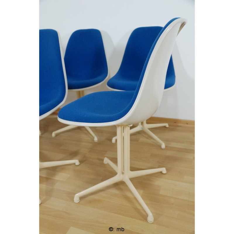 Blue La Fonda side chair in fiber glass and fabric, Charles & Ray EAMES -  1970s