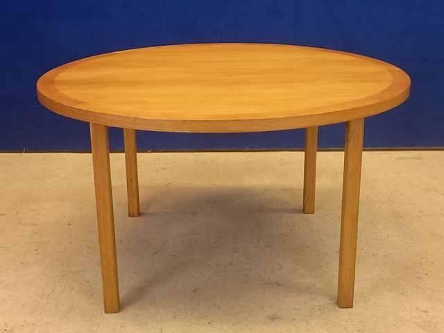 Scandinavian round coffee table bertil fridhagen 1950s - Table basse ronde scandinave ...