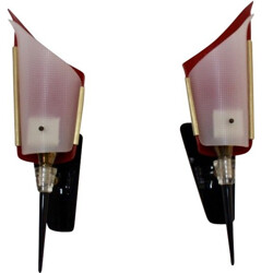 Pair of Italian Stilnovo wall lamps in red plastic and brass - 1950s