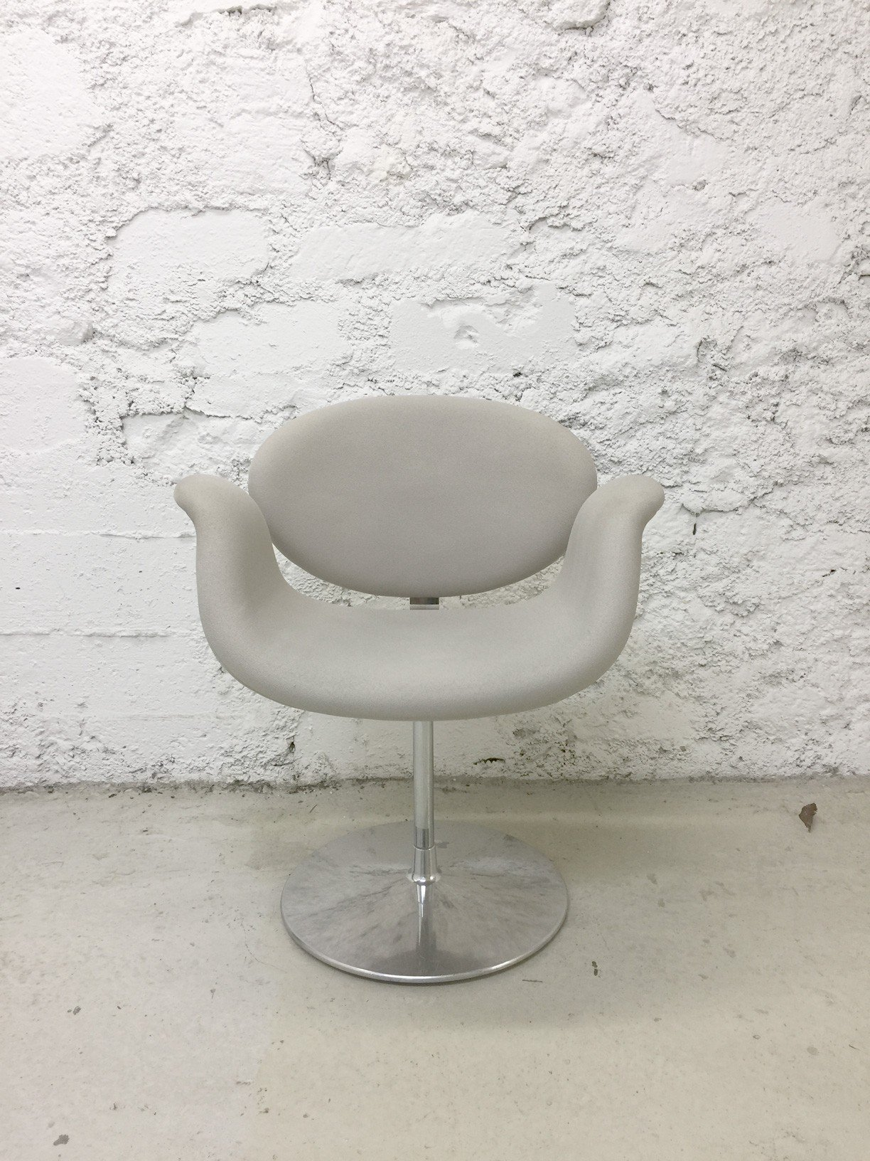artifort little tulip armchair pierre paulin 1960s. Black Bedroom Furniture Sets. Home Design Ideas
