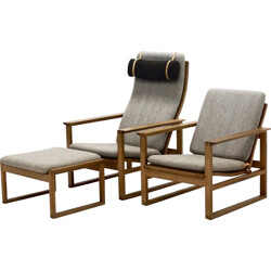 Fredericia lounge chairs and ottoman in oak, Børge MOGENSEN - 1950s