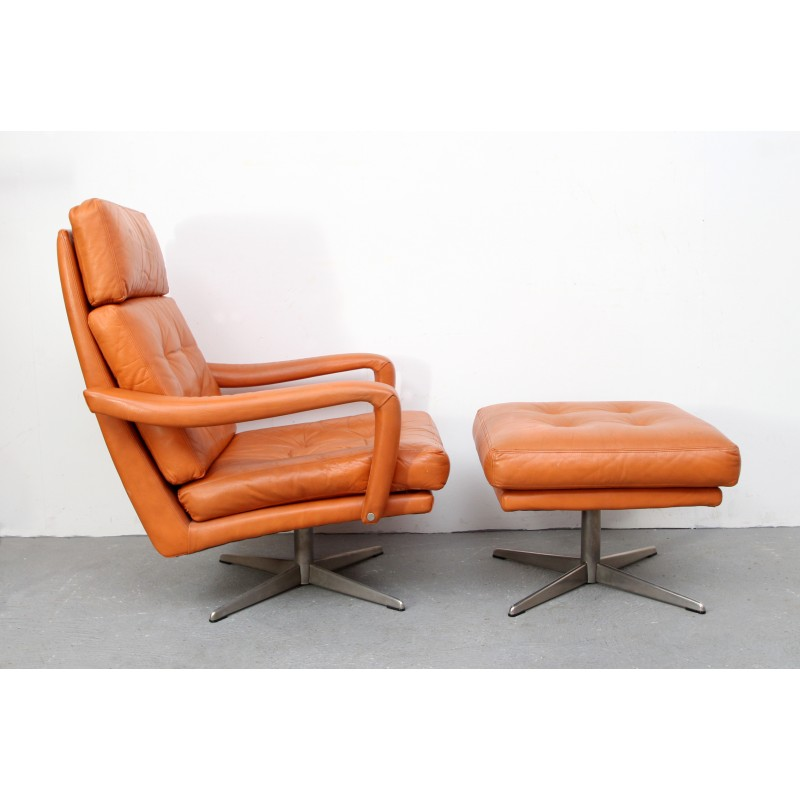 Leather Swivel Lounge Chair With Ottoman   1970s