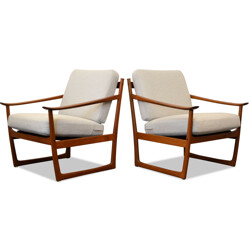 "Pair of France & Son ""FD-130"" armchairs in teak and cream fabric, Peter HVIDT & Orla Mølgaard NIELSEN - 1960s"