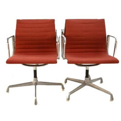 """Mid century pair of swivel """"EA 107"""" office chairs, Charles & Ray EAMES - 1960s"""