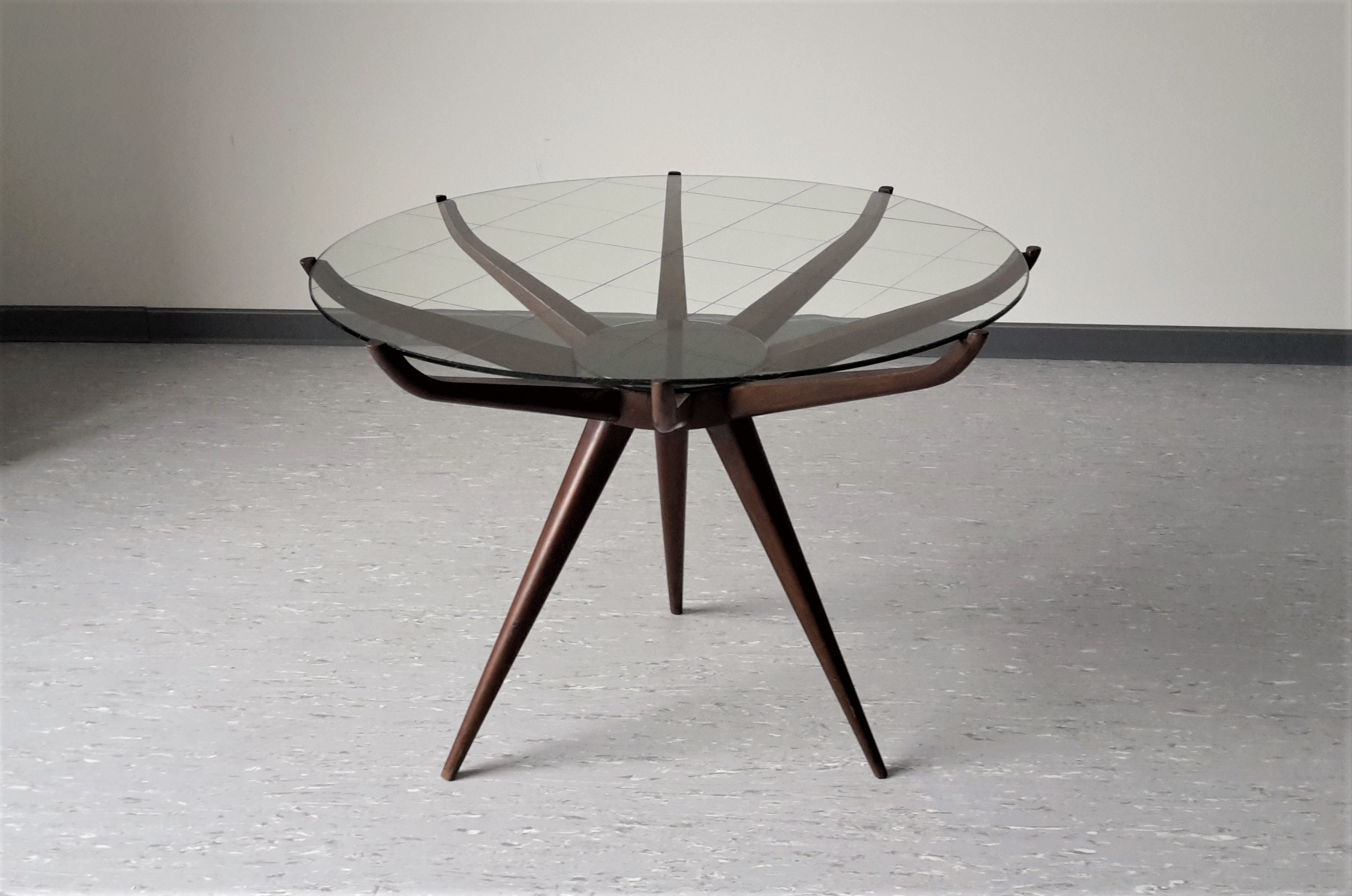 Italian Spiderleg Coffee Table In Glass And Lacquered Wood  # Meuble Tv Carlo