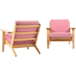 "Pair of Getama ""GE-290"" armchairs in oak and pink wool fabric, Hans J. WEGNER - 1960s"
